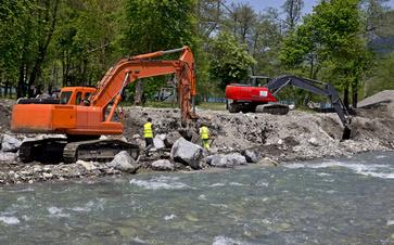 Comment installer un barrage sur une rivière à Montech?